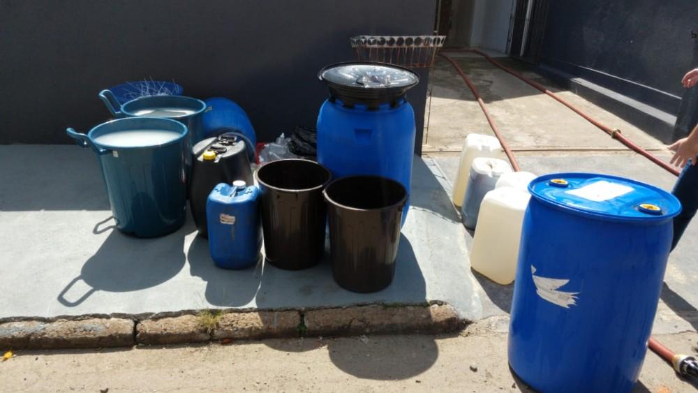 Polícia Civil fecha fábrica clandestina de álcool em gel