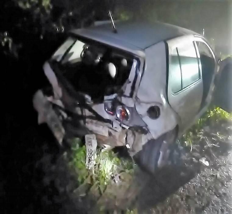 Saída de pista e choque em árvore deixa uma pessoa gravemente ferida na SC-163 em Itapiranga