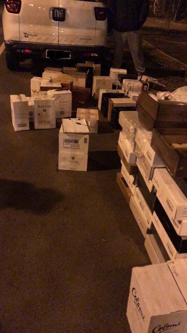 Homem é preso com R$ 60 mil em vinhos contrabandeados na SC-157