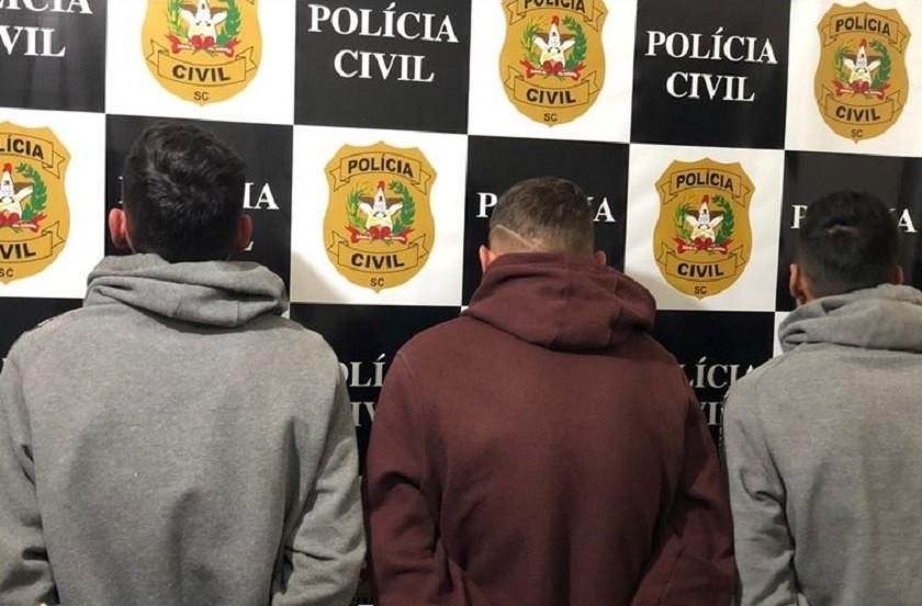 Trio é preso por tráfico de drogas no Bairro Bela Vista em Maravilha