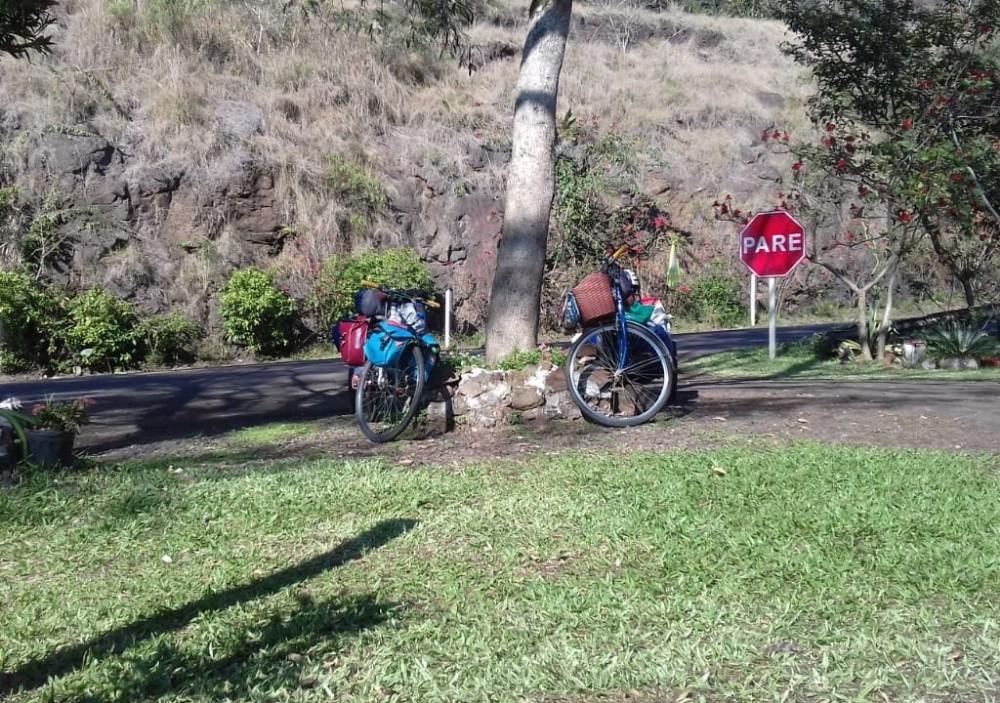 Família Colombiana viaja 8000 KM de bicicleta e visita Chapecó