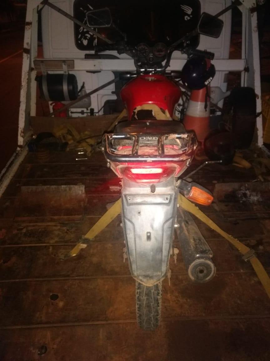 Argentinos são presos com motocicleta sem placa e com identificações raspadas na BR-163 em Guarujá do Sul