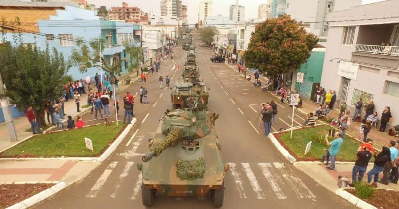 Desfile Militar marca comemorações de 7 de setembro em São Miguel do Oeste